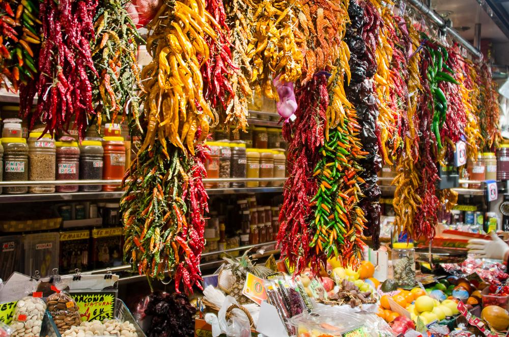Mercat de Sant Josep de la Boqueria, la Boqueria, Barcelona, Spain, Espana, Catalonia, Catalunya, chile, pepper, string, strand, spice, spices, market, mercado